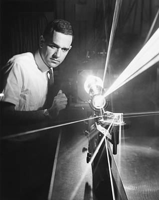 Electronics Photograph - Argon Ion Laser by Underwood Archives