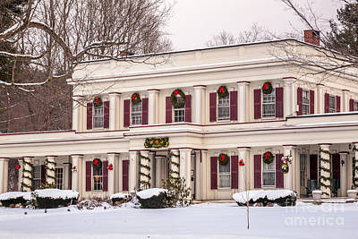 Photograph - Arlington Inn Christmas by Susan Cole Kelly