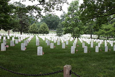 Cemetary Photograph - Arlington National Cemetery - 01133 by DC Photographer