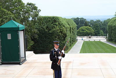 Arlington National Cemetery - Tomb Of The Unknown Soldier - 01132 Print by DC Photographer