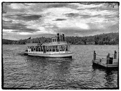 Arrowhead Queen Paddlewheel Boat Print by Glenn McCarthy Art and Photography