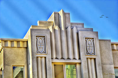 Photograph - Art Deco Condominium by Chuck Staley