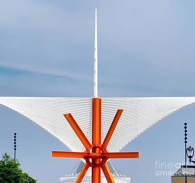 Photograph - The Milwaukee Art Museum By Santiago Calatrava by David Perry Lawrence