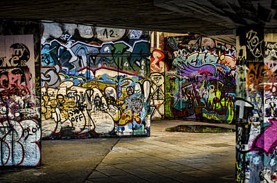 Photograph - Art Of The Underground by Heather Applegate