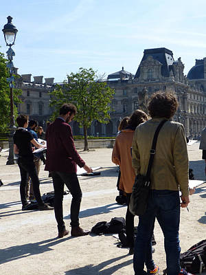 Photograph - Art Students In The Tuileries Of Paris by Susan Alvaro