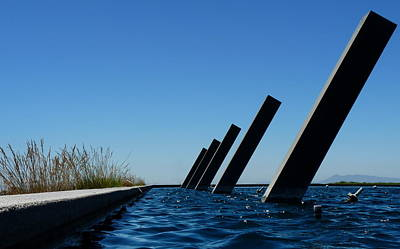 Photograph - Artesa Winery Sculpture Pond by Jeff Lowe