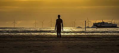 Antony Gormley Photograph - As The Sun Goes Down by Paul Madden