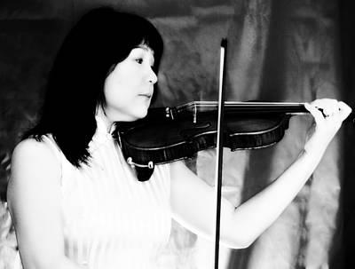 Asian Woman Playing The Violin Art Print by David Zoppi