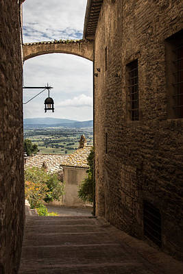 Photograph - Assisi Streetlight by Dwight Theall