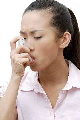 Self Shot Photograph - Asthma Inhaler Use by Science Photo Library