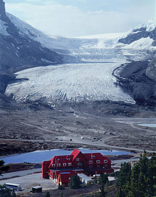 Photograph - 1m3734-athabasca Glacier W Original Icefields Chalet by Ed  Cooper Photography