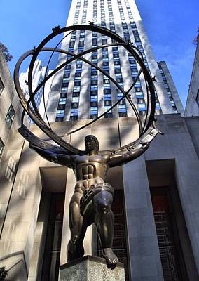 Rockefeller Plaza Photograph - Atlas Statue At Rockefeller Center by Dan Sproul