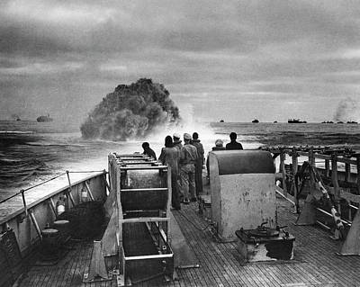 Anti German Photograph - Attack On German Submarine U-175 by Us Coast Guard