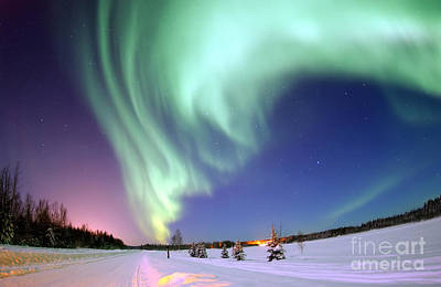 Photograph - Aurora Borealis 2005 by Science Source
