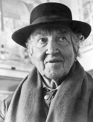 Grave Photograph - Author Robert Graves by Underwood Archives