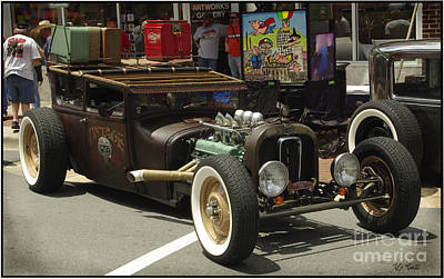 Photograph - Auto Show Scene by James C Thomas