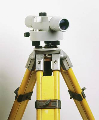 Tripods Photograph - Automatic Level On Tripod by Dorling Kindersley/uig