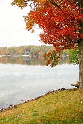 Fall Foliage New York Wall Art - Photograph - Autumn Morning At The Lake - Pocono Mountains - Pennsylvania by Vivienne Gucwa