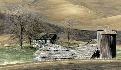 Rural Decay Digital Art - Autumn Splendor by Doug Fredericks