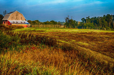 Photograph - Autumn Sunlit Barn by Gene Sherrill