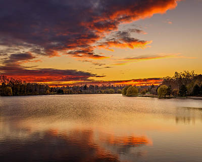 Photograph - Autumn Twilight Hoyt Lake by Chris Bordeleau