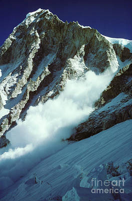 Photograph - Avalanche On Mt Everest by Art Twomey