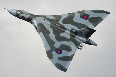 Photograph - Avro Vulcan B2 by Tim Beach