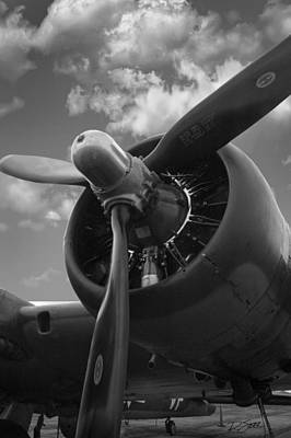 B-17 Engine Art Print