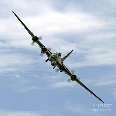 Ww11 Aircraft Photograph - B-17 Flying Fortress Sally B by Steve H Clark Photography