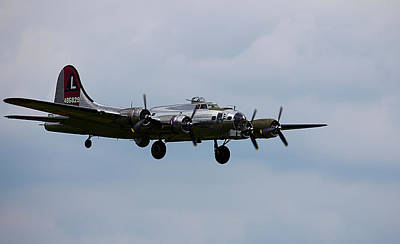 Photograph - B-17 Yankee Lady by Jorge Perez - BlueBeardImagery