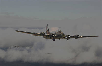 B17 Outbound - 'heavy Weather' Art Print
