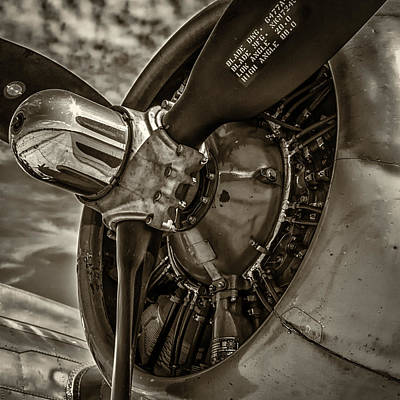 B17 Photograph - B17 Prop by Mike Burgquist