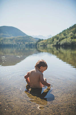 Harrison Hot Springs Wall Art - Photograph - Baby Boy Playing In Hicks Lake by Christopher Kimmel