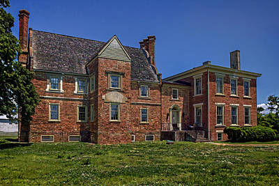 Photograph - Bacons Castle Surry Virginia by Jerry Gammon