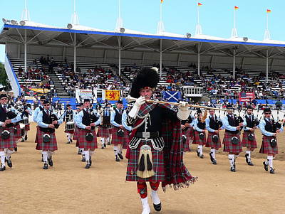 Photograph - Bagpipe Band And Drum Major by Jeff Lowe