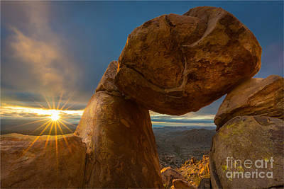 Grapevine Photograph - Balanced Rock by Inge Johnsson