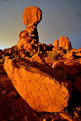 Photograph - Balanced Rock Sunset by Ray Mathis