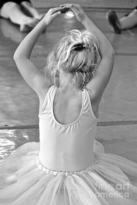 Photograph - Ballet Class 2 by Suzanne Oesterling