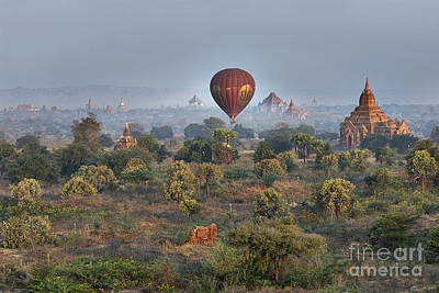 Ballons Ride Over Temples Of Bagan Original by Juergen Ritterbach