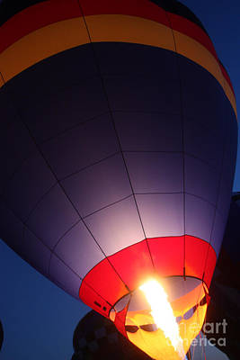 Balloon-glowpurple-7710 Art Print by Gary Gingrich Galleries