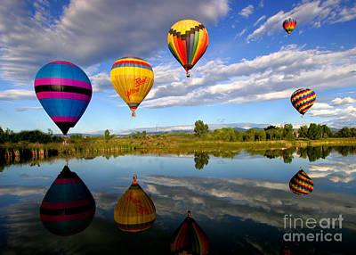 Balloon Horizon Art Print