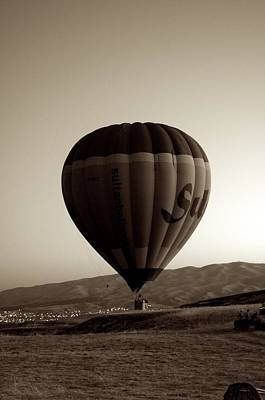 Balloon2 Art Print by Ernesto Cinquepalmi
