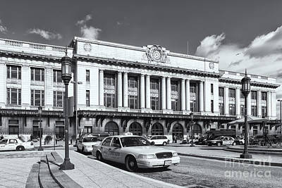 Photograph - Baltimore Pennsylvania Station Iv by Clarence Holmes
