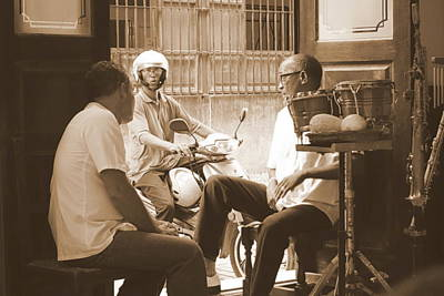 Pause Photograph - Band Break by Valentino Visentini