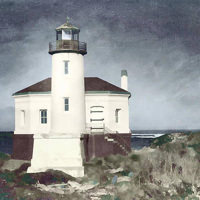 Coquille River Lighthouse Photograph - Bandon Lighthouse by Carol Leigh