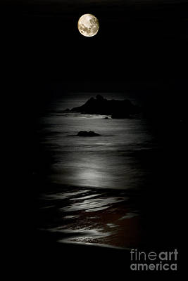 Photograph - Bandon Moonset by Bill Singleton