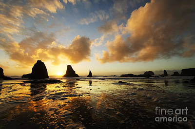 Photograph - Bandon By The Sea Oregon Sunset 1 by Bob Christopher