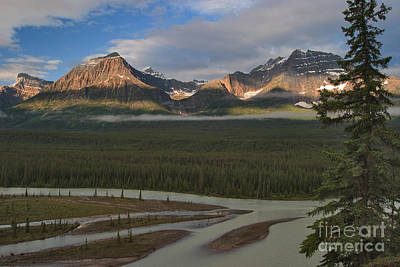 Canadian Rockies Photograph - Bands by Charles Kozierok