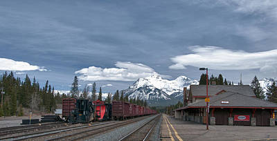 Photograph - Banff Train Depot 13004c by Guy Whiteley