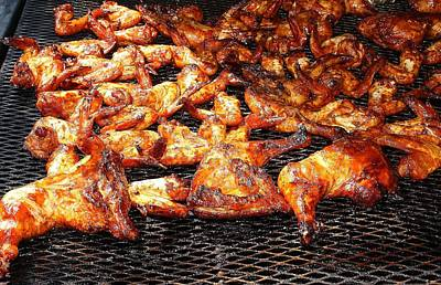Que Photograph - Bar-b-que Chicken On The Grill by Paulette Thomas